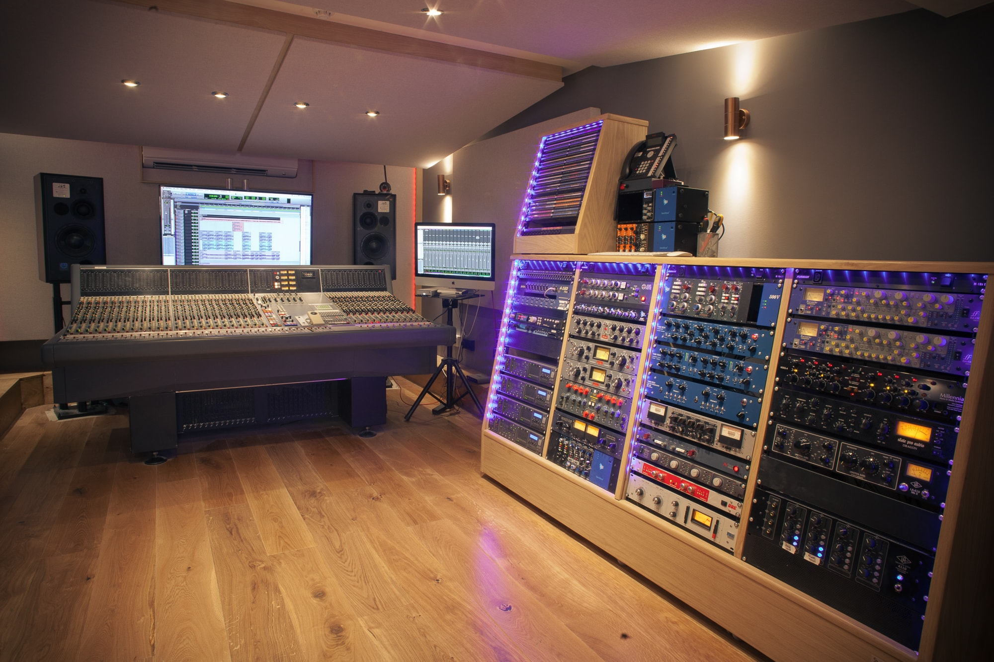 Neve Tracking Room