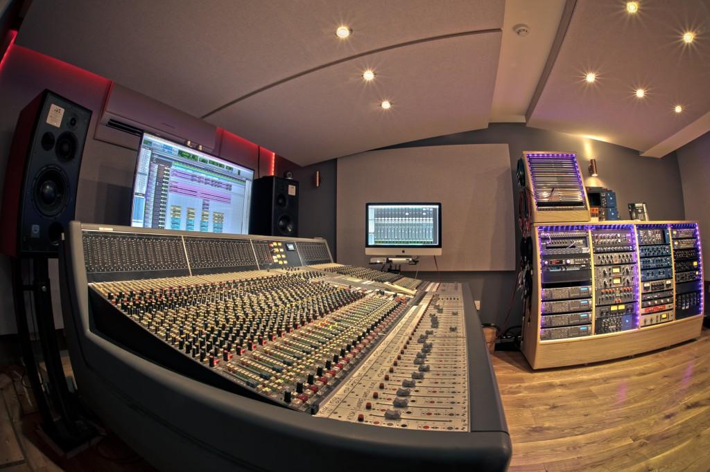 Remarkable Neve Recording Studio The Silk Mill Staffordshire Download Free Architecture Designs Scobabritishbridgeorg